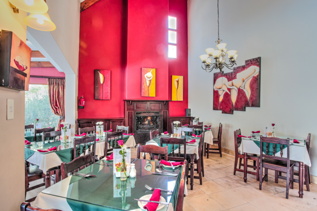 Sunninghill Guest Lodge dining